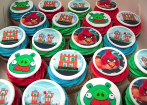 Angry-birds-cupcakes
