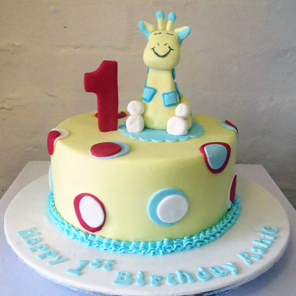 Giraffe 1st birthday cake Three Sweeties