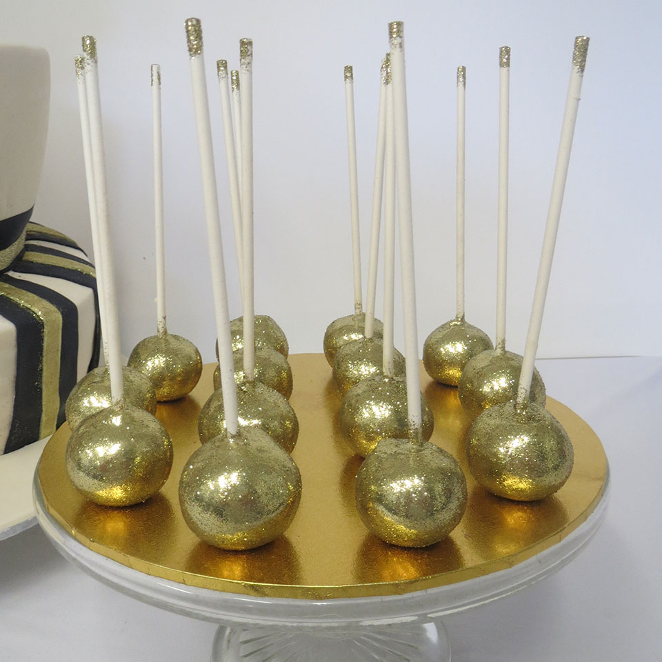 Decorating Cake Pops With Glitter : Gold glitter cake pops - Three Sweeties