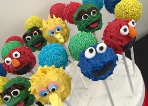 sesame-street-cakepops