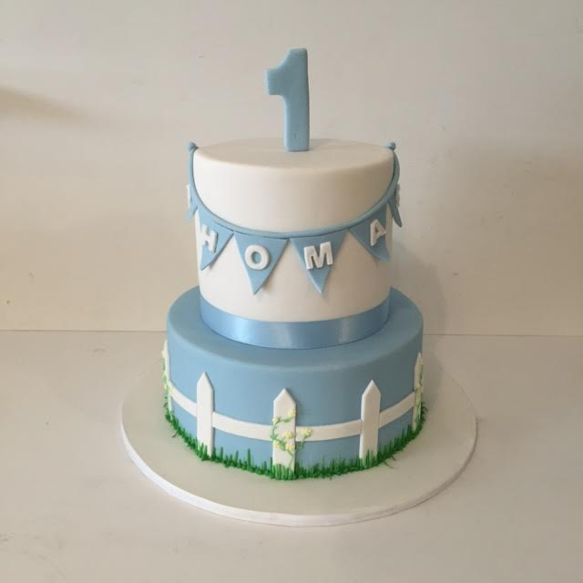 Simple and elegant first birthday cake Three Sweeties
