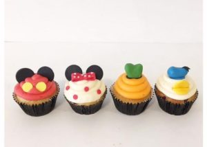 disney_mickey_minnie_goofy_donald-duck_cupcakes