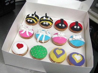 fondant_cupcake_decorating_class