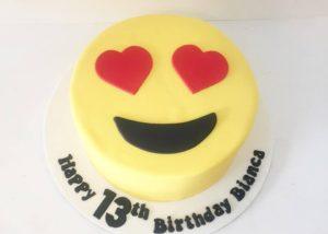 love_emoji_cake