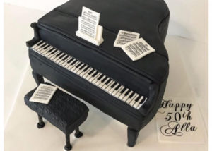 piano_grand_birthday_cake