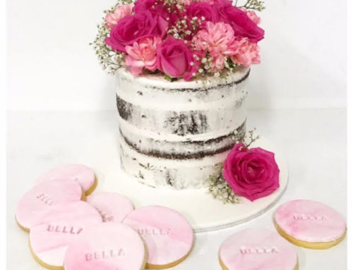 Semi Naked cake and biscuits