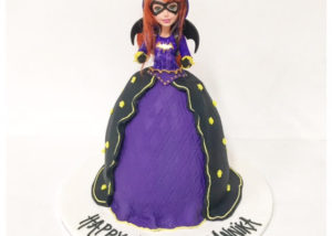 bat_girl_dolly_varden_cake