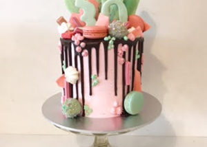 30th_pasterl_drizzle_drip_cake