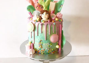pastel_mermaid_lolly_drizzle_drip_cake